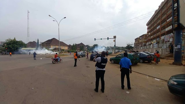 Update: Police allegedly teargas June 12 protesters in Abuja (photos)