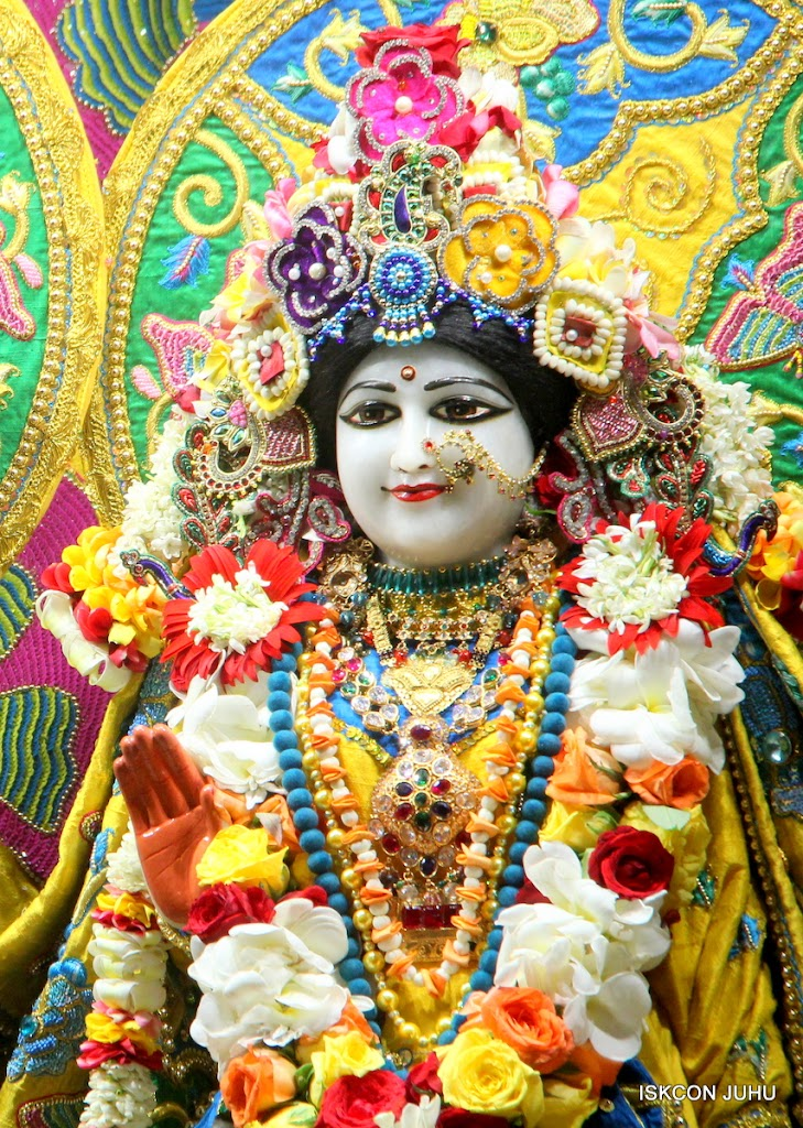 ISKCON Juhu Sringar Deity Darshan on 26th June 2016 (36)