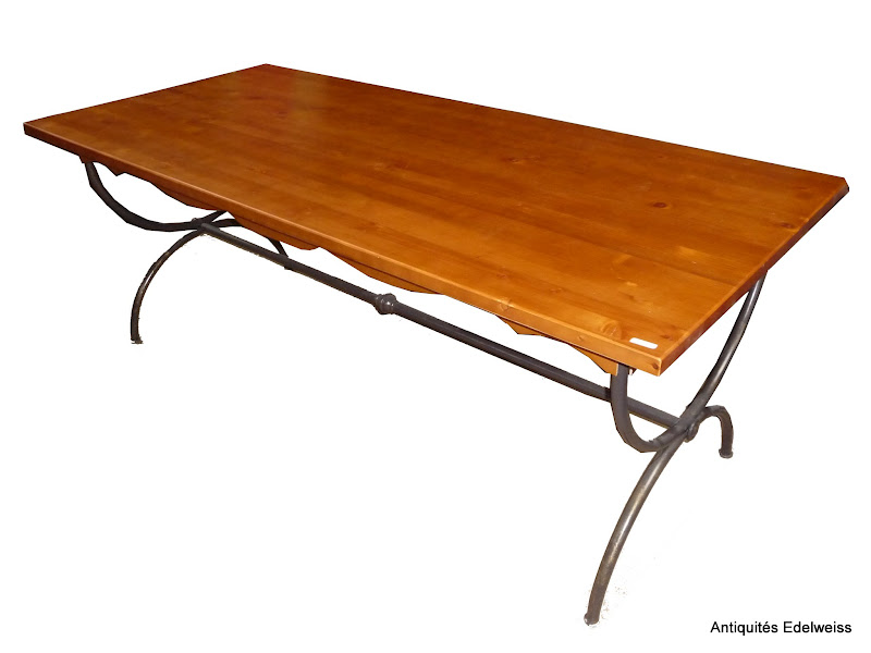 Grande table dessus bois pied m tal entretoise 200 x 90 for Grande table a manger