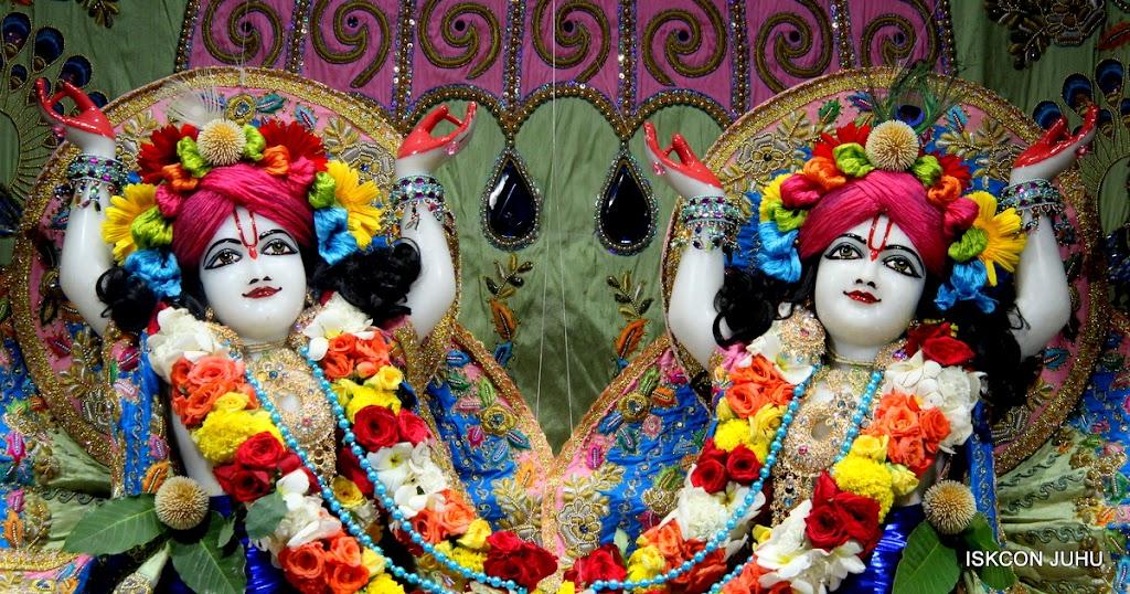 ISKCON Juhu Sringar Deity Darshan 10 Apr 16 (37)