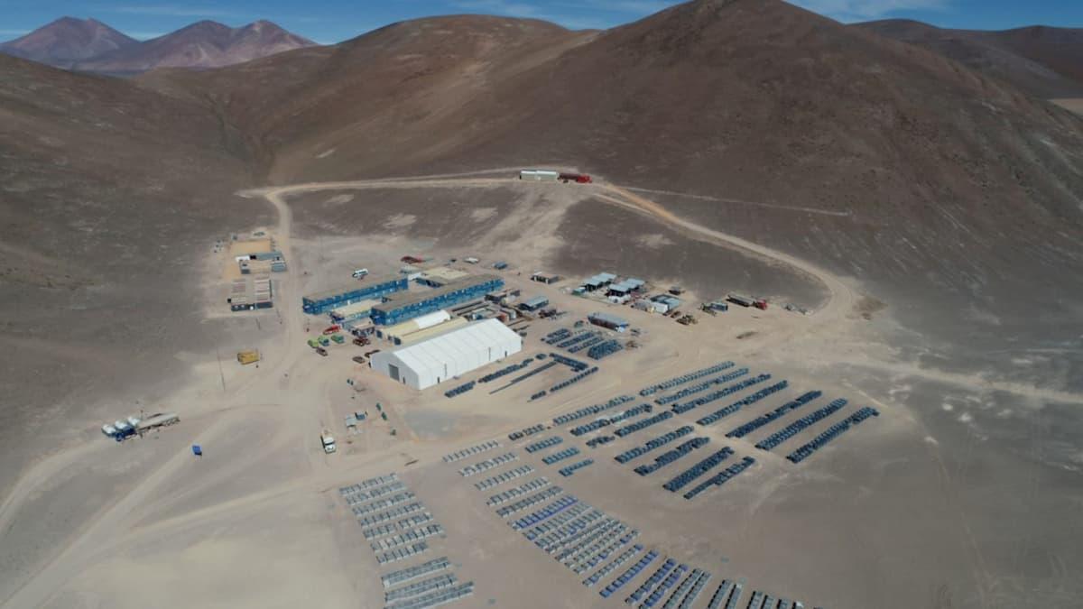 O acampamento do projeto de mineração Salares Norte. Fonte: Undark.