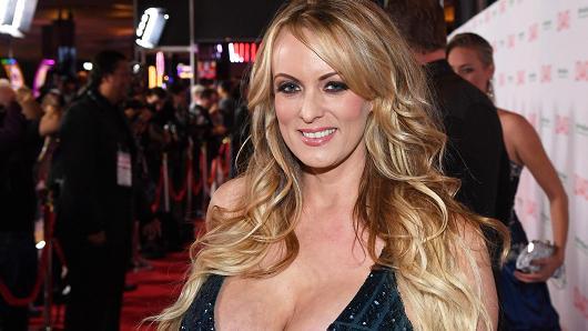 Bintang Porno Daniel's Lawyer Mengungkapkan tentang Hubungan Dirinya dan Donal Trump