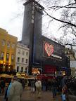 Slávny Odeon - kino, kde sa hrávajú premiéry známych filmov
