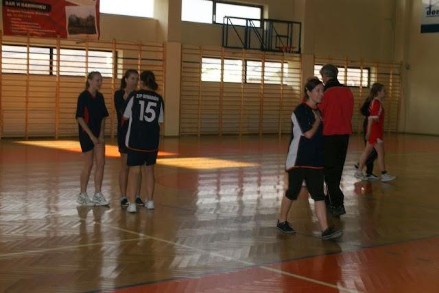 Piłka ręczna zowody listopad 2011 - DSC03886_1.JPG