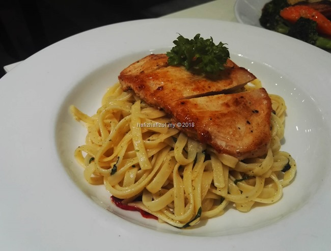 Grilled Chicken Aglio Olio PADI HOUSE