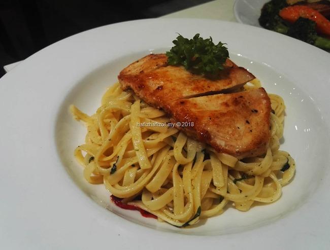 Grilled Chicken Aglio Olio PADI HOUSE
