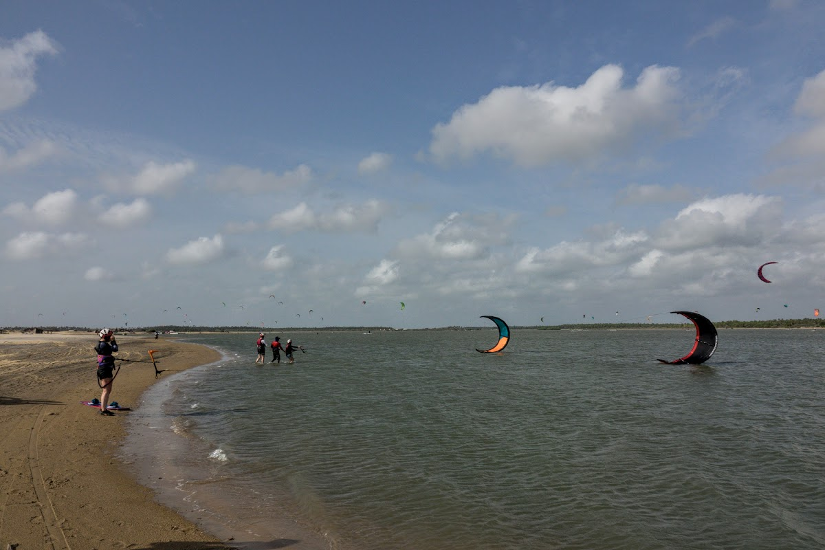 Sri. Lanka Kalpitiya Kiteboarding. Learning how to kite in Kalpitiya Lagoon.