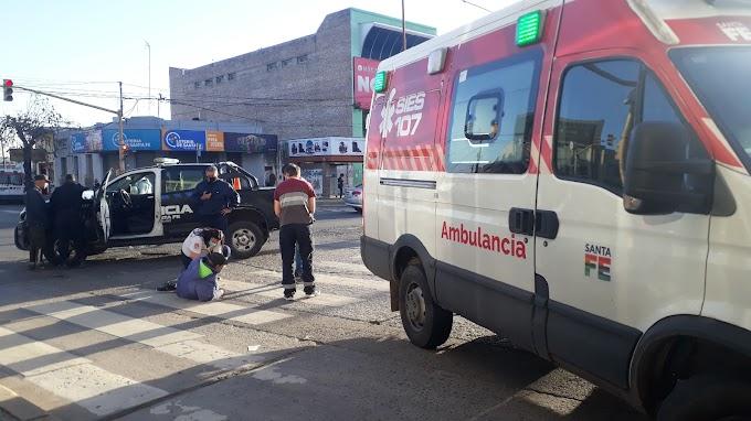 Un motociclista herido tras un accidente con un camión en San Martin y J.D. Peron