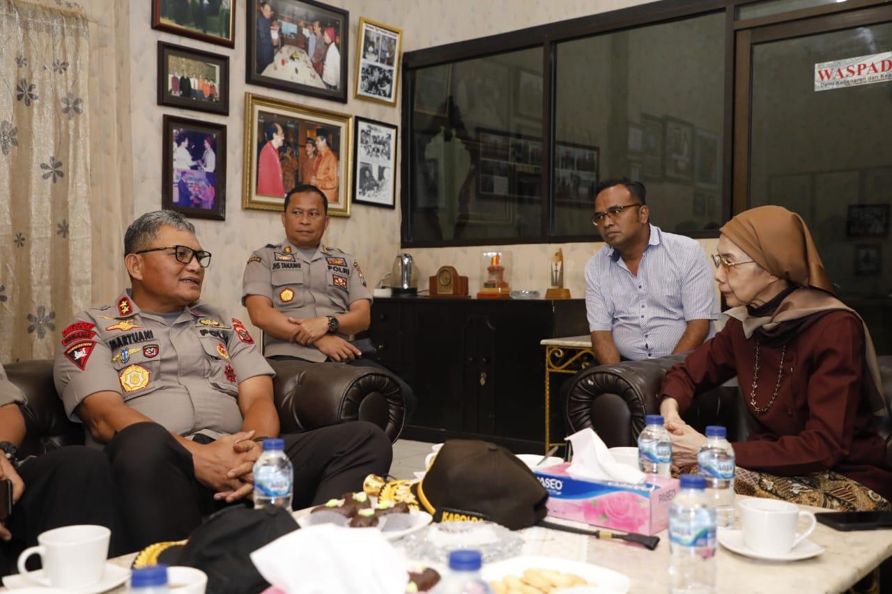 Jalin Sinergitas Kapolda Sumut Silaturahmi Ke Kantor Harian Waspada