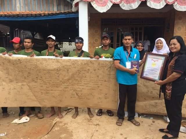 Ribuan Warga Rembang Dukung Pabrik Semen