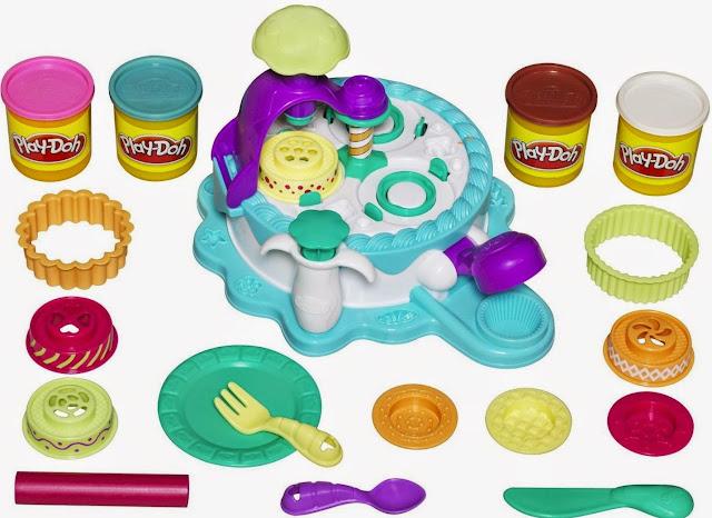 Máy làm Bánh kem khổng lồ Play-Doh (Mã 24373) là món đồ chơi bột nặn rất thú vị