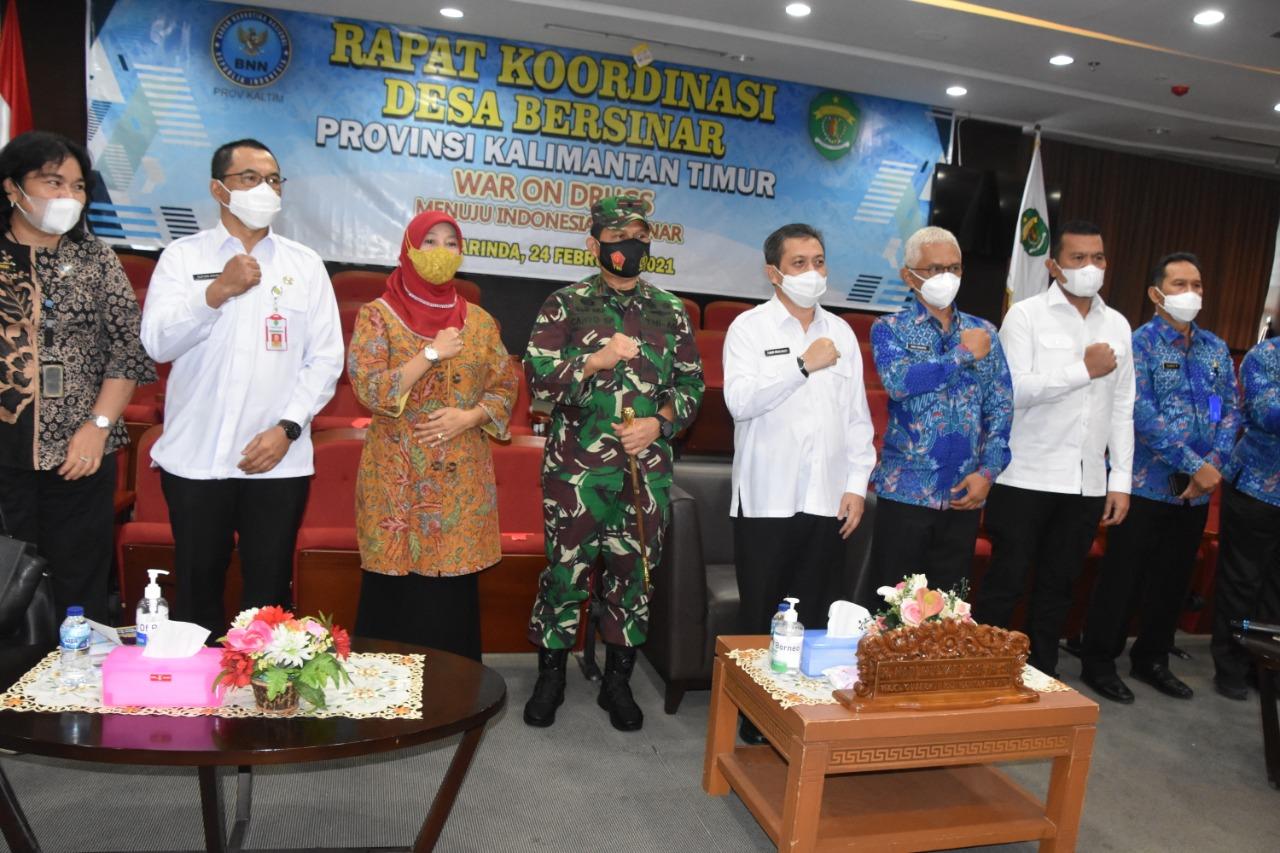 Danrem 091/ASN Dan Wakil Gubernur Kaltim Hadiri Rakor Desa Bersinar
