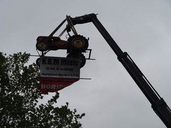 2017.05.08-012 tracteur en suspension