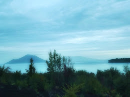 bass-ahmed-at-krakatoa-mountain-sunda-strait-indonesia-29-01-01-2012-028