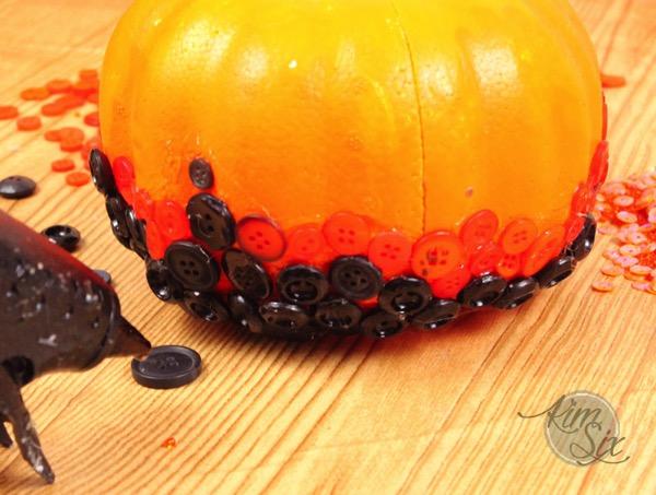 Ombre button pumpkin