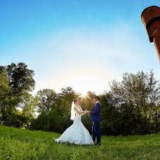 Wedding photographer Vitaliy Bartyshov (Bartyshov). Photo of 25.12.2015