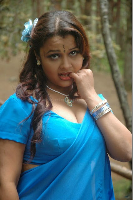 Item Actress Sexy Images Bgrade Movie Actress Milky Boob -9222