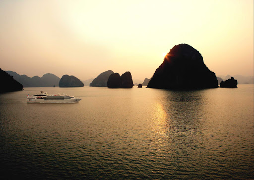 Ponant-Vietnam-HaLongBay.jpg - Ha Long Bay, in Vietnam's Gulf of Tonkin, is a UNESCO World Heritage site.