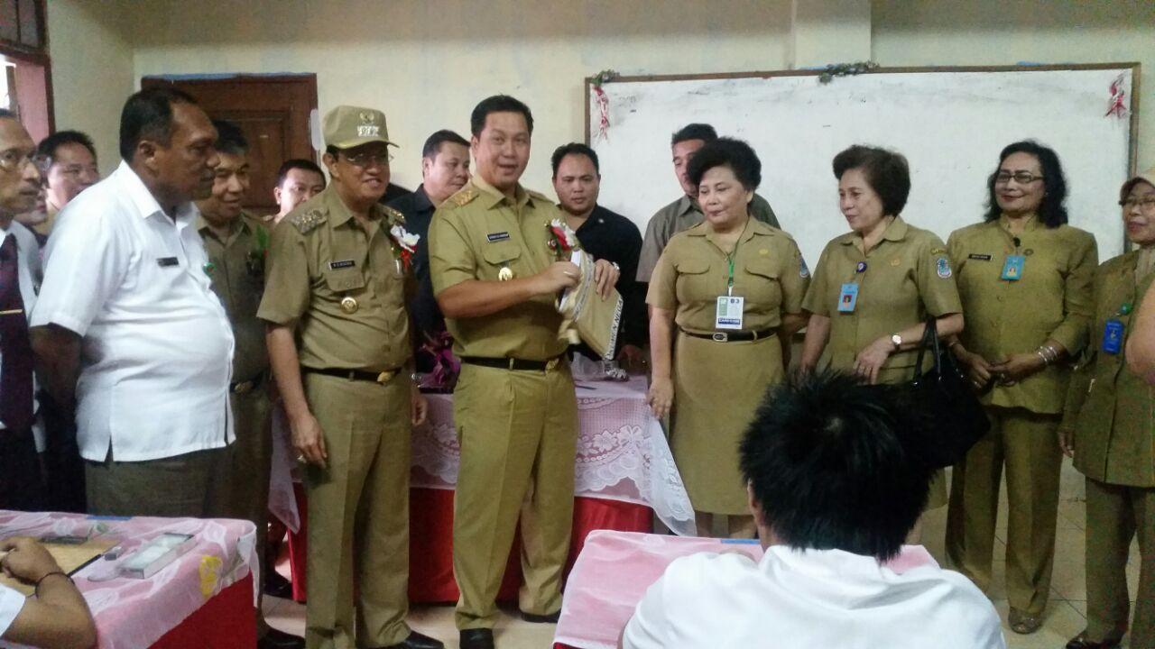 humas provinsi sulawesi utara wagub siswa harus berdoa
