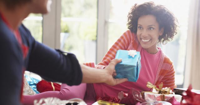 7 Simple Ways to Spread Kindness - Turetalk