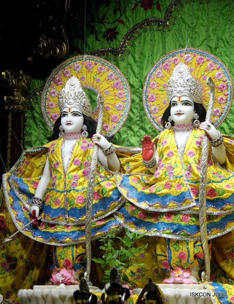 ISKCON Juhu Mangal Deity Darshan on 2nd July 2016 (2)