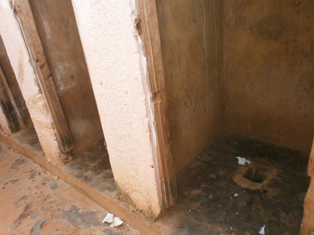 Bezoek sept./okt. 2012 - Toilet%2Bmeisjes%2Boud.jpg