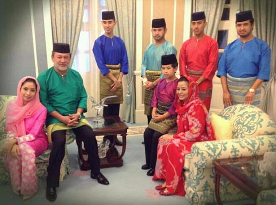 keluarga sultan johor.jpg