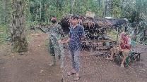 Kebersamaan TNI dan Rakyat Komsos Buat Jaring