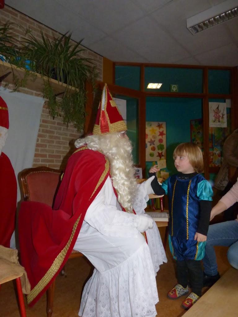 Sinterklaas op bezoek - P1060521.JPG