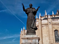 0819 Madrid, II. Szt. János Pál szobra.jpg