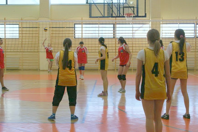 Zawody siatkarskie dziewczat 1 marca 2011 - DSC09387_1.JPG