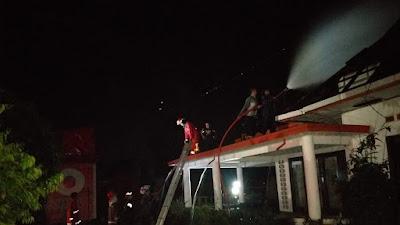Damkar Payakumbuh Padamkan 2 Kebakaran Dalam Waktu Bersamaan