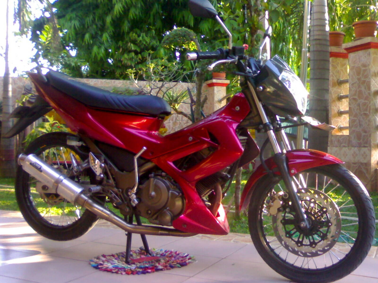 Modifikasi Honda Blade Warna Hitam