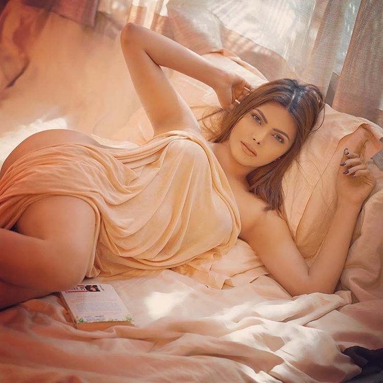 Sherlyn Chopra latest bikini photo shoot   erotic photos Navel Queens