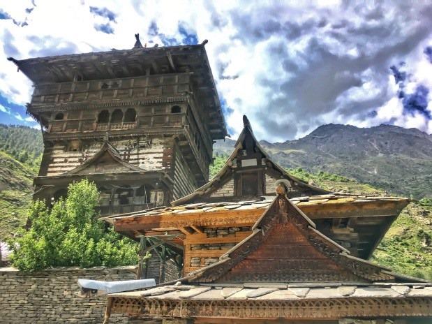 [kamru-fort-with-temple-sangla%5B7%5D]