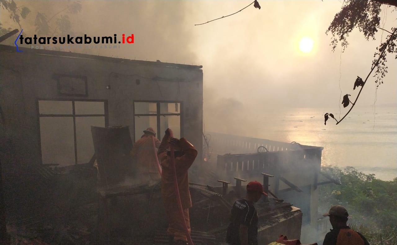 Rumah Dikawasan Kuil Dewi Bulan Kwan Im Palabuhanratu Terbakar