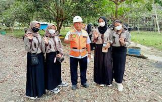 Mahasiswa Poltekes Kunjungi Indocement Tarjun