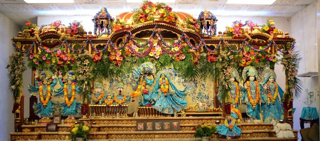 ISKCON Seattle Deity Darshan 11 Sep 2016 (25)