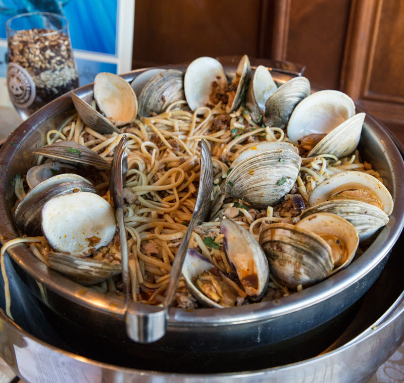 photo of clams with linguine