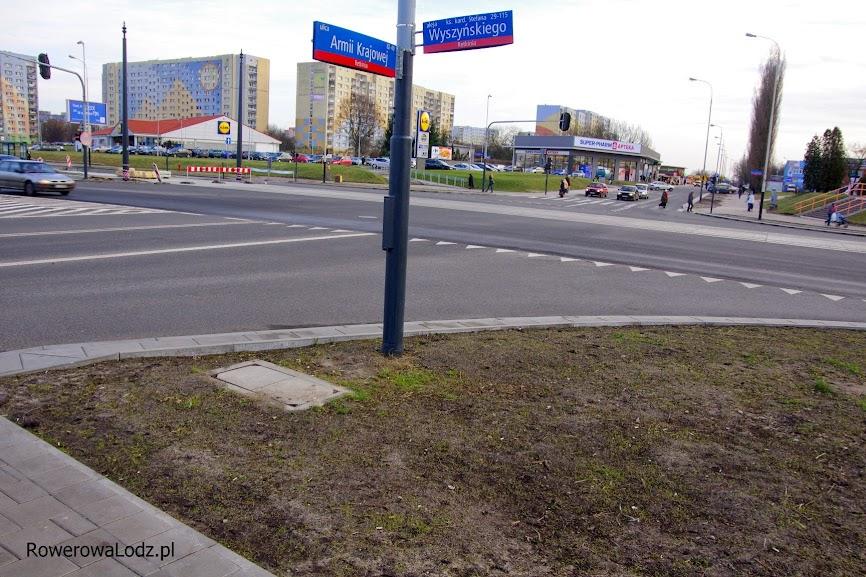 W tym roku ponoć ma być kontynuacja po drugiej stronie al. Wyszyńskiego - tylko jak niby się tam dostać jadąc rowerem?