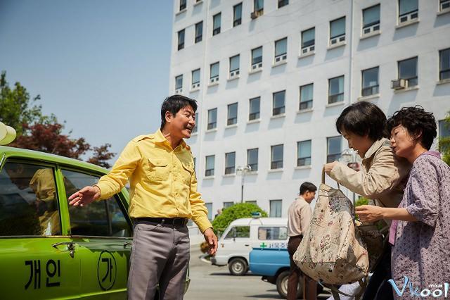Xem Phim Tài Xế Taxi - A Taxi Driver - phimtm.com - Ảnh 1