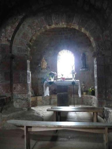 L'intérieur de l'église de Rochegude
