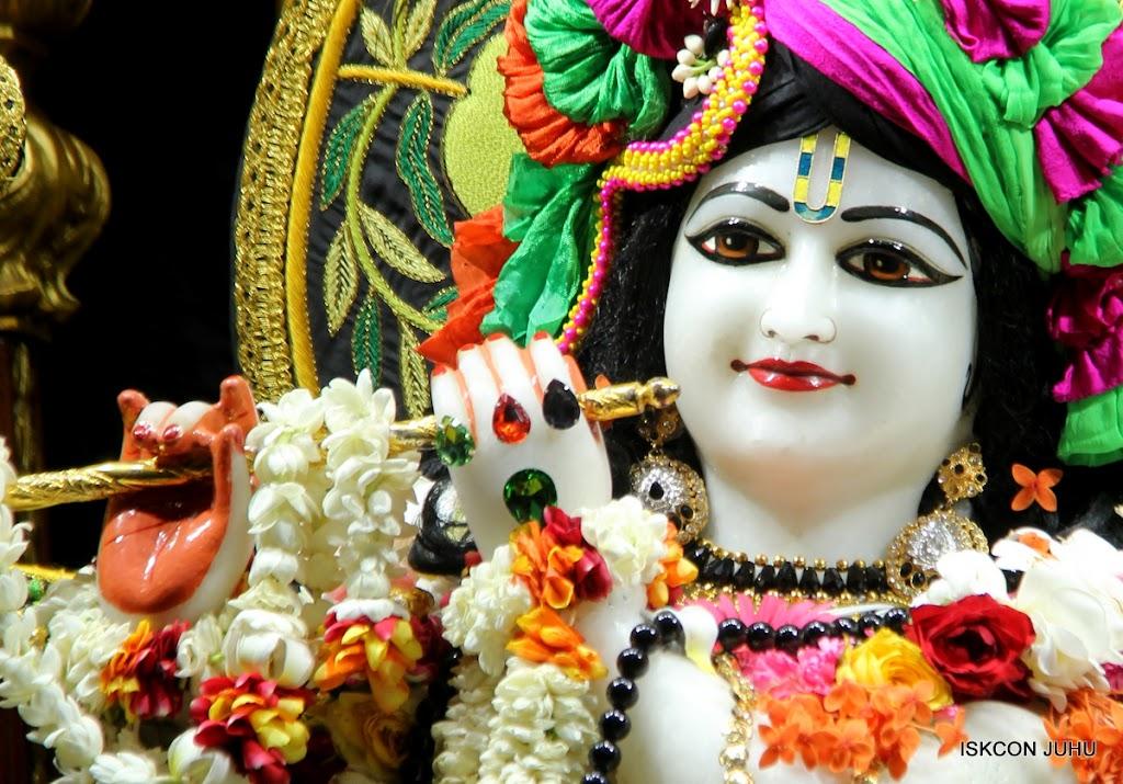 ISKCON Juhu Sringar Deity Darshan on 4th June 2016 (16)