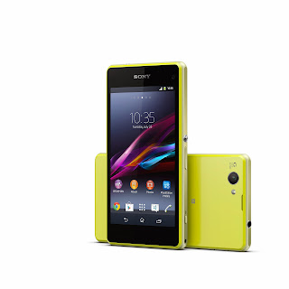 13_Xperia_Z1_Compact_Lime_Group.jpg