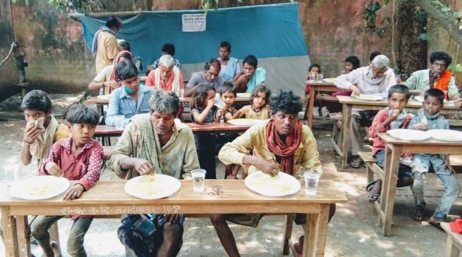 सामुदायिक रसोई से जरूरतमंदों को दो समय का भोजन मिलने से हुई राहत