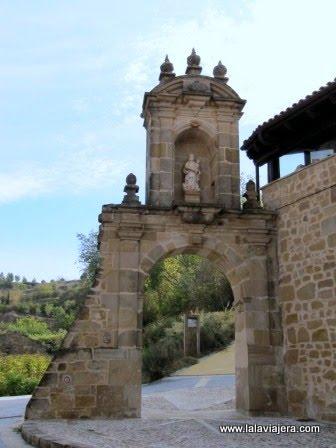 Arco de Toloño, Labastida