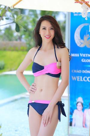 Ngắm gái đẹp khoe đường cong cùng bikini