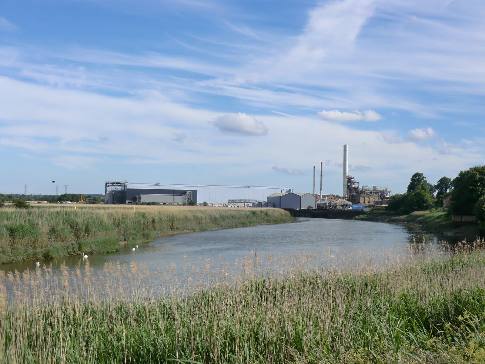 CIMG1942 Snodland's paper mill beside the River Medway