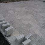 Terras in gebouchardeerde tegels