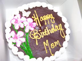 Round birthday cake. title=